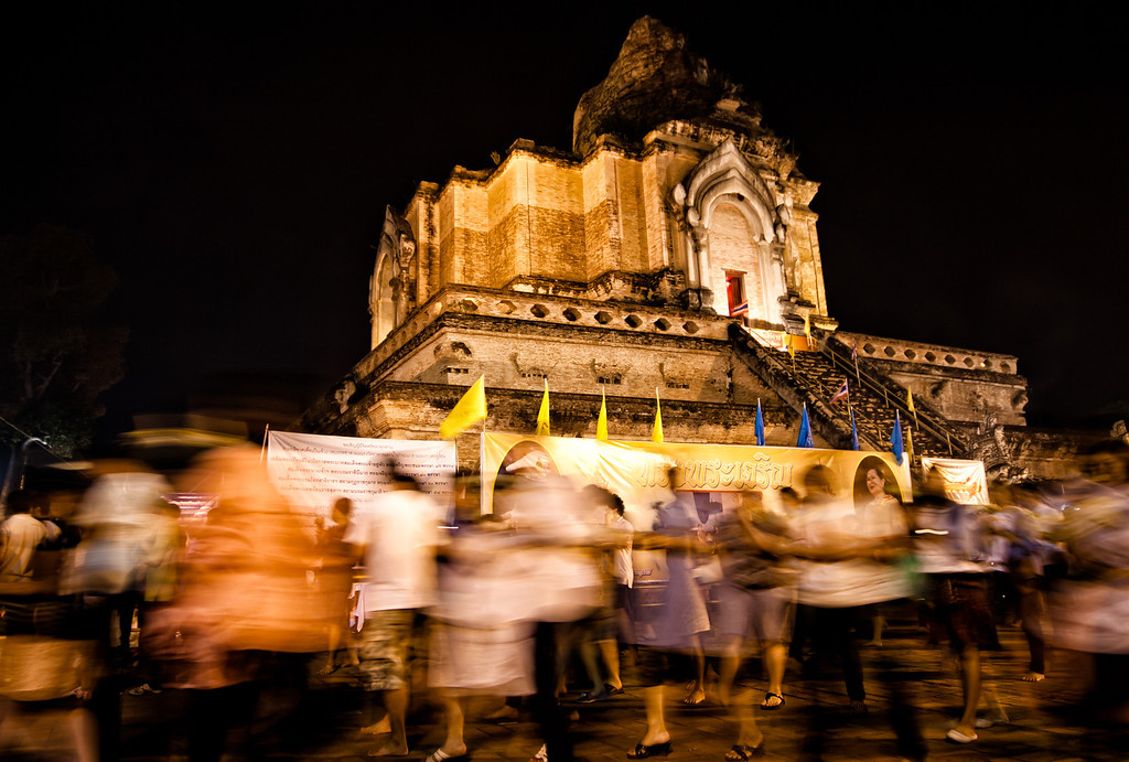 Wian Tian candle procession around Wat Chedi Luang in Chiang Mai, during Makha Bucha.